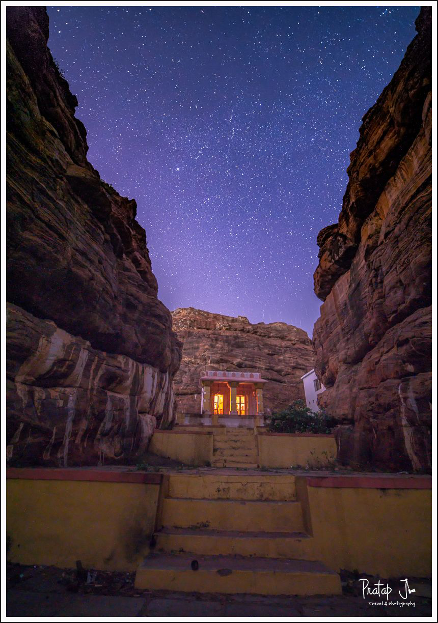 Night-Sky-at-Shiva-Temple-in-Badami_pj.jpg