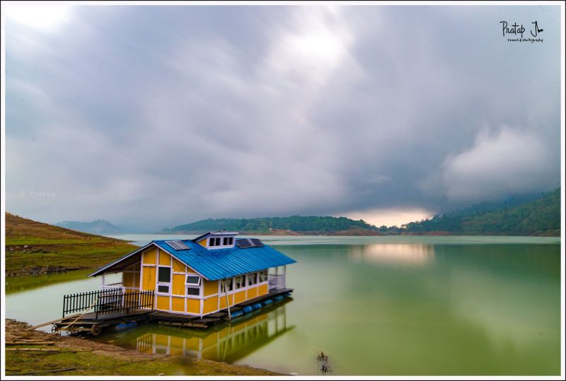 houseboat at Umiam Lake