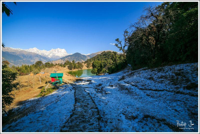 First view of Deoria Tal and snow!