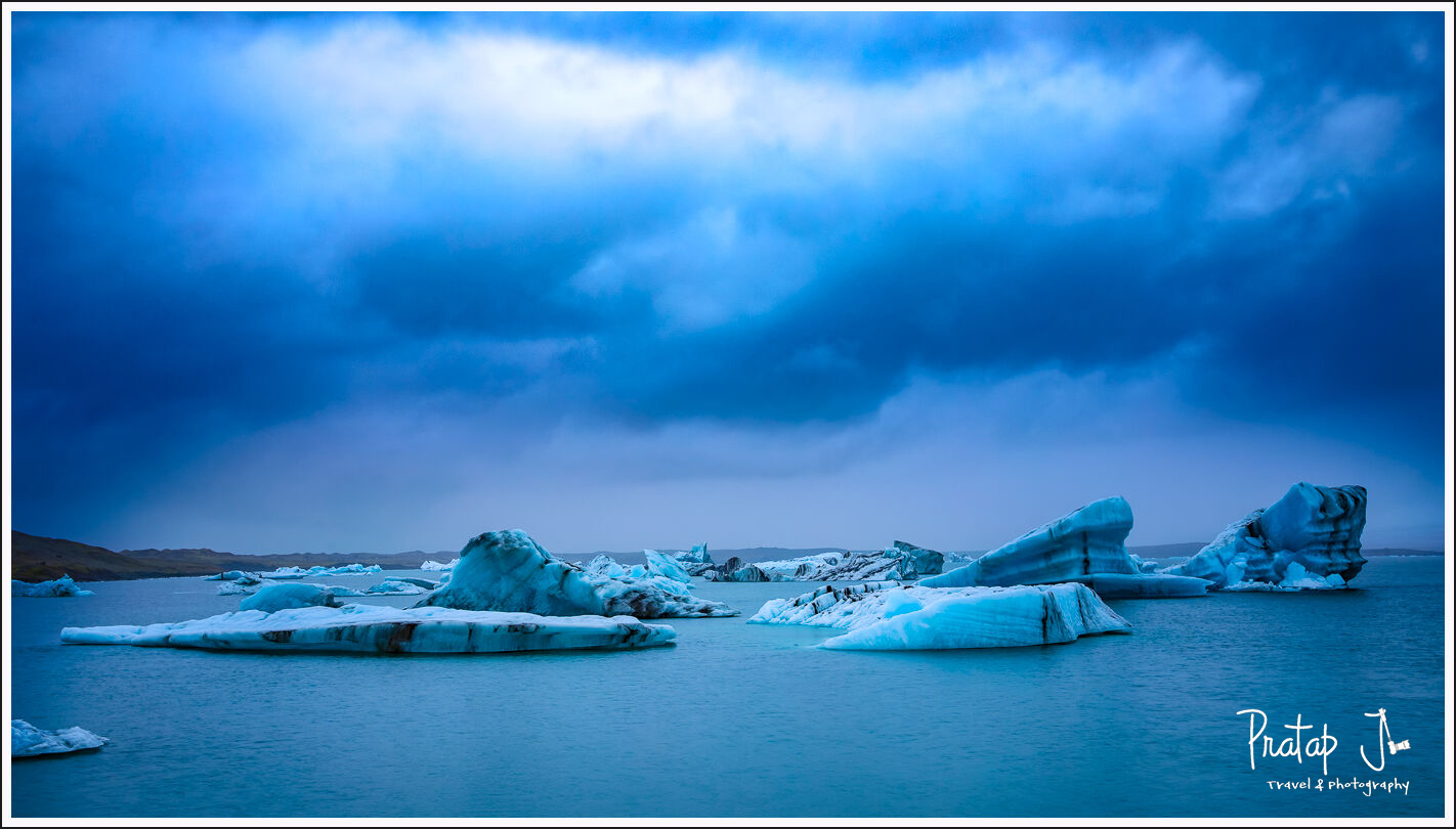 Icebergs on the Jökulsarlón Glacier Lagoon during blue hour